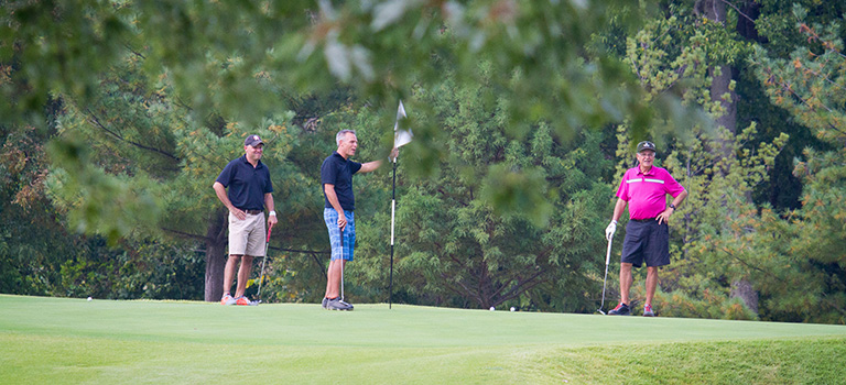 15-0928-FOU-Golf-Scramble-219-768x350.jpg
